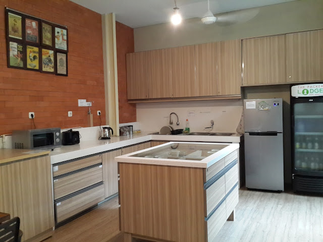 kitchen, hostel, the-packer-lodge, jakarta, kota