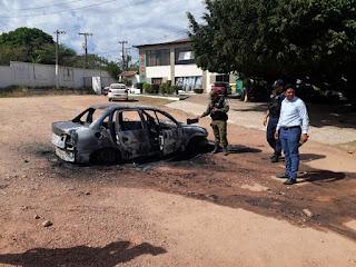 Homem incendeia carro e tenta se suicidar em frente à RBA