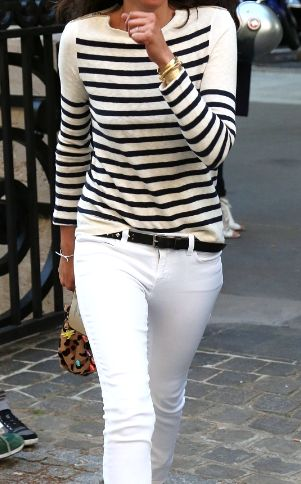 striped-tee-sweater-white-jeans