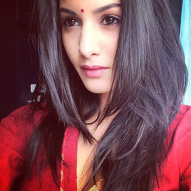 going desi , .... back to my roots , .... like the indian , look??, Kollywood Actress Amyra Dastur Selfie Pics from Twitter, Instagram