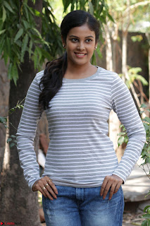 Actress Chandini in ed Tight Top at Ennodu Yilayadu tamil movie press meet ~  07.jpg