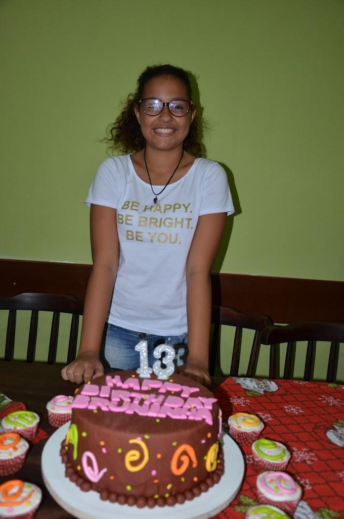 O Blog Parabeniza a querida Bruna Lethycia pelo seu Aniversário
