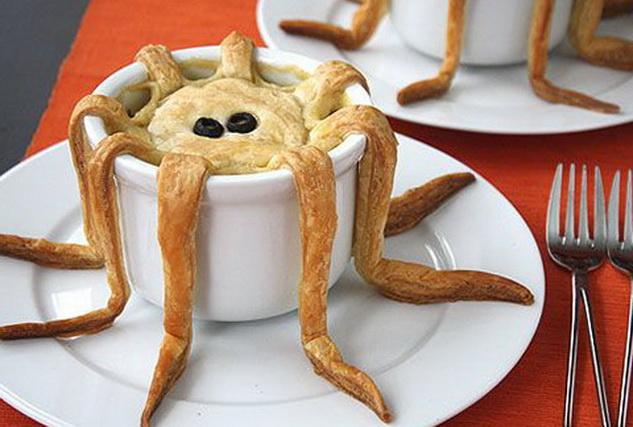 К Кошмарное меню на Хэллоуин или Кухня ведьмы (выпечка), Хэллоуин, блюда на Хэллоуин, рецепты на Хэллоуин, праздничные блюда, оформление блюд на Хэллоуин, праздничный стол на Хэллоуин, блюда-монстры, меренги, безе, сладости, сладости на Хэллоуин, десерты на Хэллоуин, блюда мз яиц, блюда из белков, печенье на Хэллоуин, торты на Хэллоуин, пирожные на Хэллоуин, пицца на Хэллоуин, выпечка на Хэллоуин, олдовские украшения кексов выпечка на хэллоуин http://prazdnichnymir.ru/