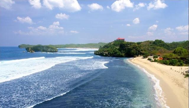 Pesona Pantai Parang Tritis di Yogyakarta