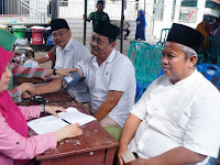 Jamaah Masjid Ar-Ridho Gelar Bakti Sosial
