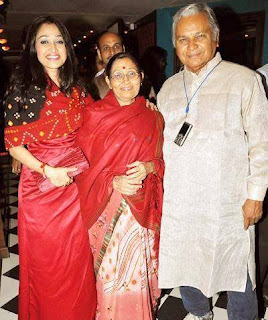 Disha Vakani, Biography, Profile, Age, Biodata, Family, Husband, Son, Daughter, Father, Mother, Children, Marriage Photos.