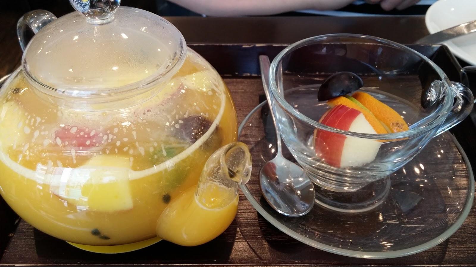Clara的玩樂速寫誌: 臺北自由行(五):咖啡弄的水果茶令人超回味