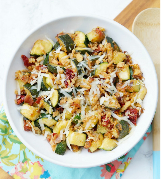 Zucchini with Sun Dried Tomatoes, Bacon, and Crispy Onions #dinner #healthydinner