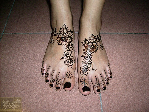 10 Model Henna Mehendi Kaki Simple Hennabalikpapan