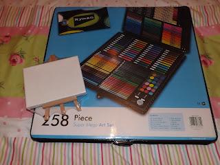 An art set and mini art easle
