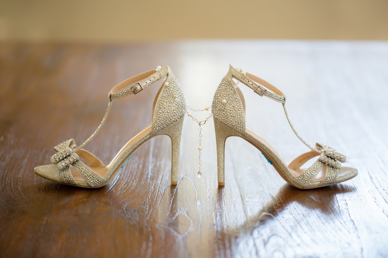 Brides Shoes with Jewelry