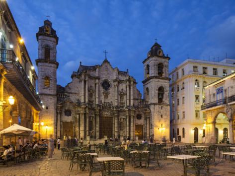 """La Catedral de La Habana es el mayor exponente del estilo desarrollado en Cuba en el siglo XVIII, el """"Barroco Cubano""""."""