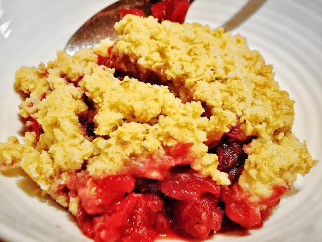 Gluten Free Apple and Blackberry Crumble