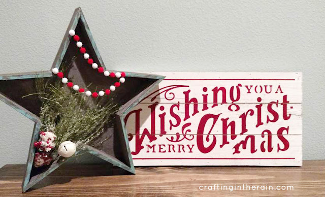 DIY Holiday Christmas Star Sign. An easy way to decorate for Christmas!
