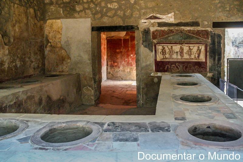 Thermopolium di Vetutius Placidus, Pompeia, Itália