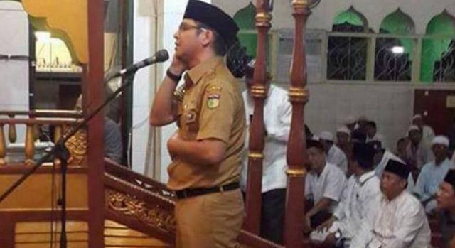 Kumandangkan Adzan, Suara Pasha Ungu Hebohkan Jamaah Masjid Di Palu