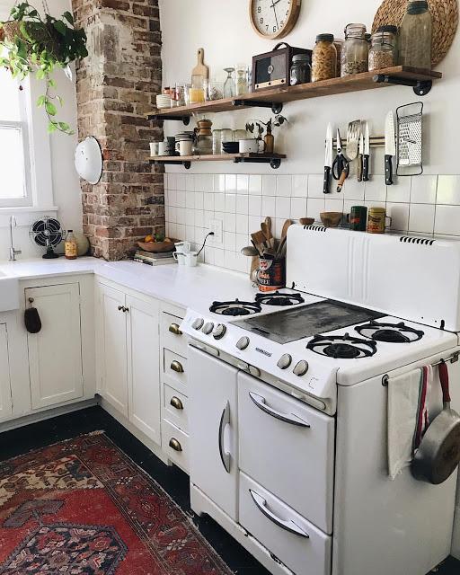 wednesday s child old fashioned kitchen reminds me of grandma rh jsuley blogspot com Old Timey Kitchen Old-Fashioned Kitchen Vintage