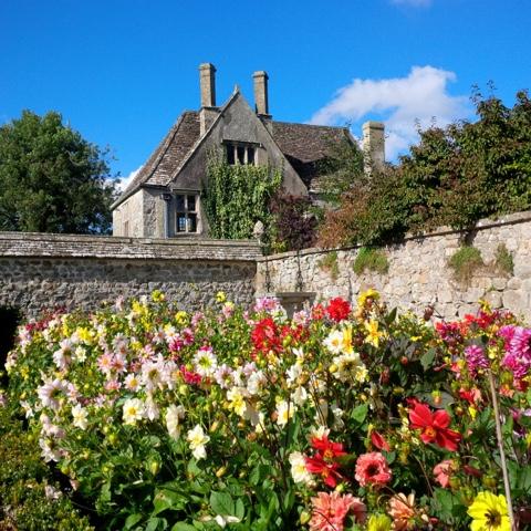 Passeggiare tra parchi giardini e castelli for Case che sembrano castelli