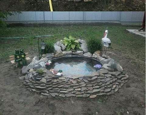 cara sederhana membuat kolam ikan mini sendiri di rumah
