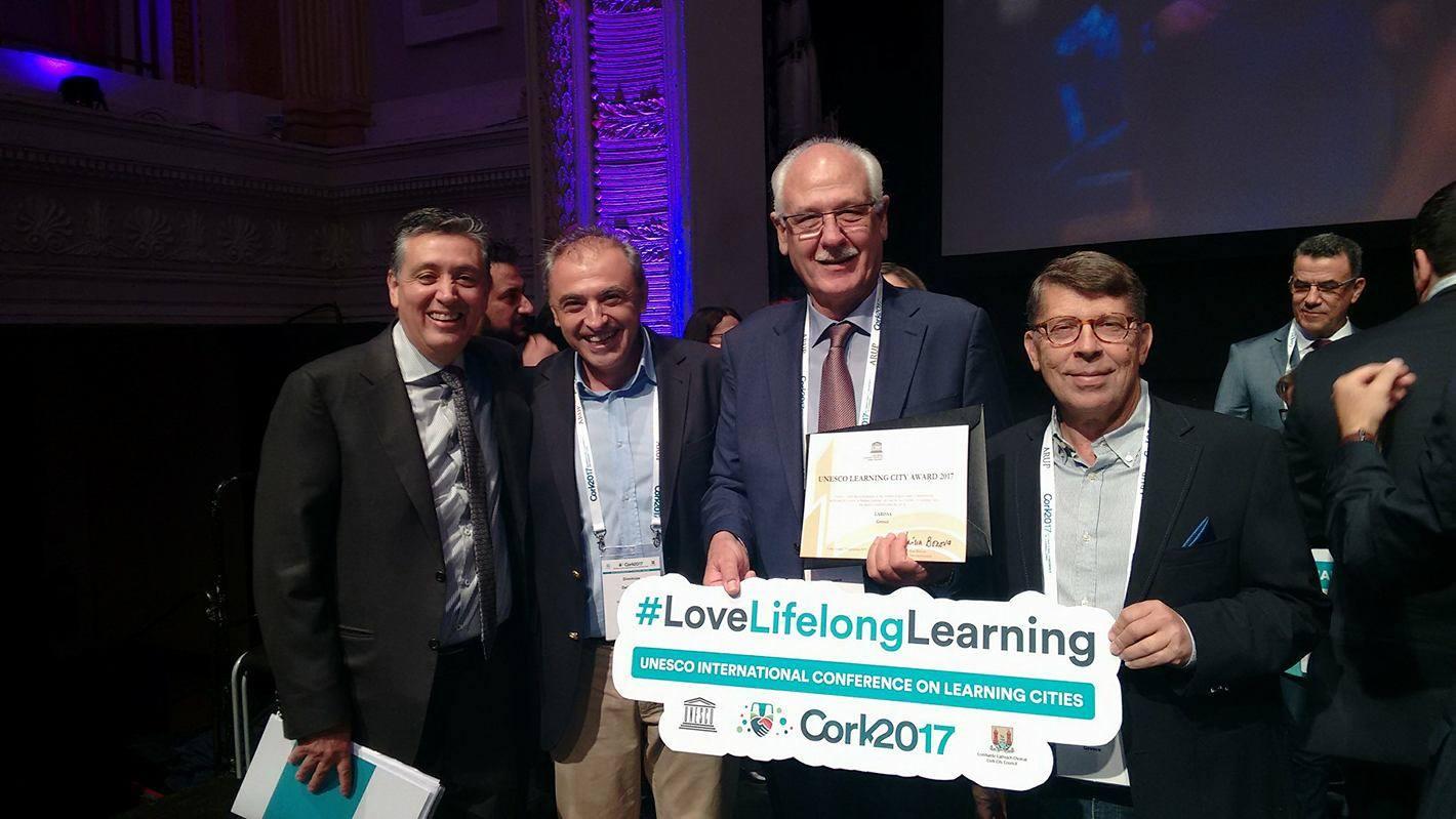 Το βραβείο της UNESCO για τις «Πόλεις που Μαθαίνουν» παρέλαβε ο Δήμαρχος Λαρισαίων (ΦΩΤΟ)