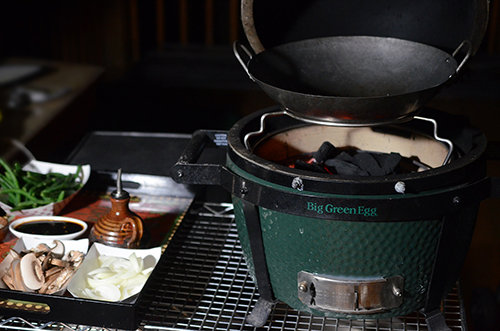 Small wok and woo rig for the Big Green Egg Mini-Max and other small kamado grills.