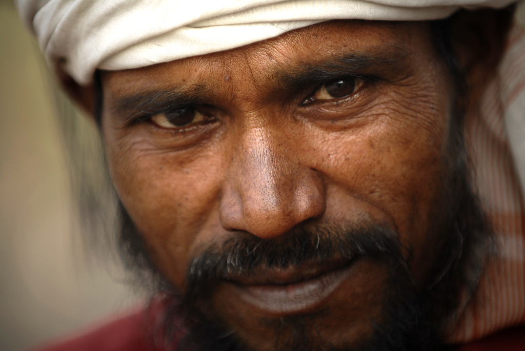 Photo of an Indian worker in Delhi, India.