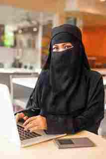 ارقام بنات السعودية للتعارف للزواج مطلقة سعودية على سكاى بى