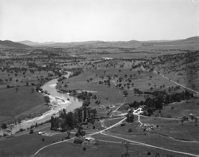 Lanyon Homestead and Murrumbidgee River from air, 1953