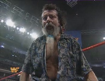 WWF / WWE - Summerslam 1994 - Captain Lou Albano led The Headshrinkers into battle against I.R.S and Bam Bam Bigelow