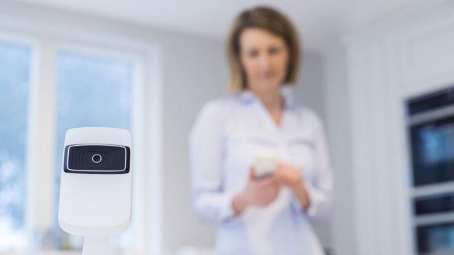internet de las cosas controlando tu hogar via la red.