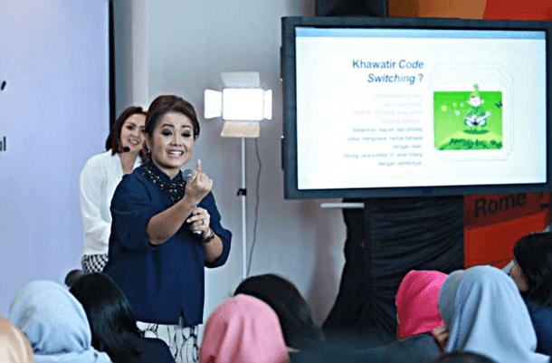 Roslina Verauli, psikolog anak dan keluarga, pada diskusi Multilingual Sejak Dini