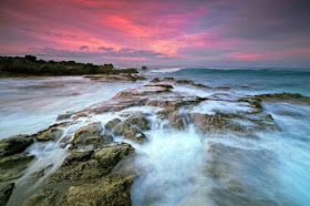 Pantai Cibayawak, Spot Seru Untuk Akhri Pekan Di Sawarna