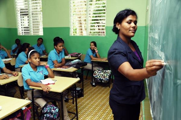 Lo que hará Educación para formar docentes de excelencia en RD,