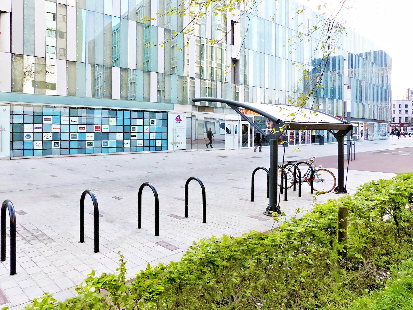 Stationnement 2 roues - Promenade de la Fraternité, Tourcoing