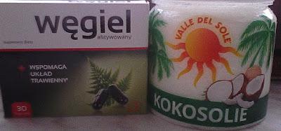 Węgiel i olej kokosowy do wybielania zębów