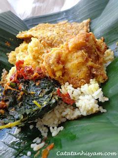 Makanan Padang yang Dibungkus Lebih Banyak Nasinya