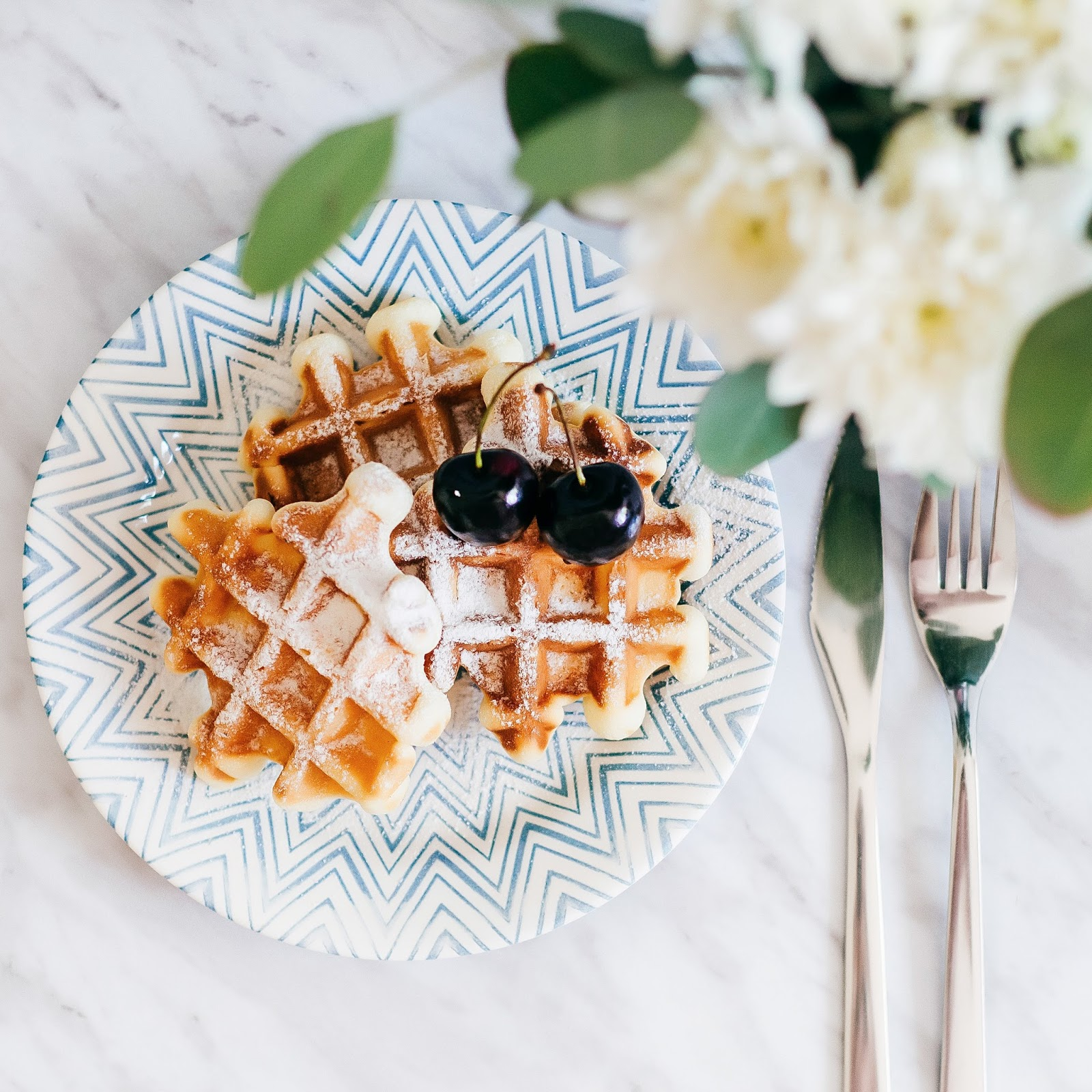 waffles with powdered sugar for breakfast or brunch