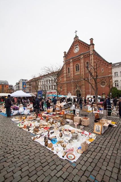 Mercatino dell'antiquariato-Quartiere Marolles-Bruxelles