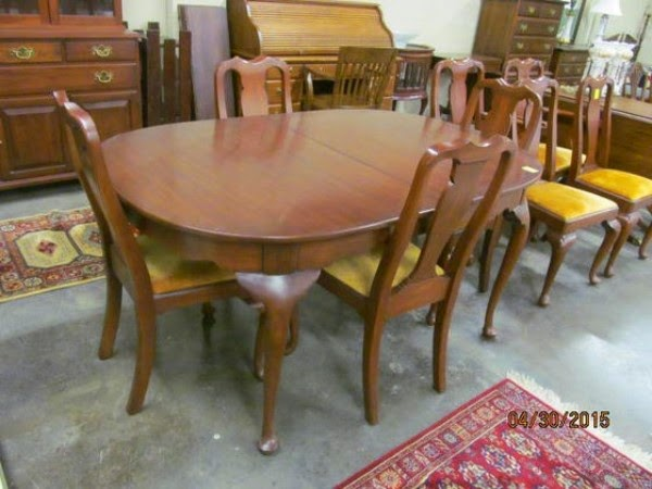 Henkel Harris Solid Cherry Queen Anne Dining Room Table And 8 Chairs