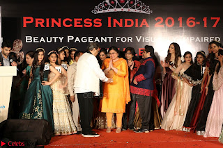 John Aham, Bhagyashree, Subhash Ghai and Amyra Dastur Attends Princess India 2016 17 Part2 026.JPG