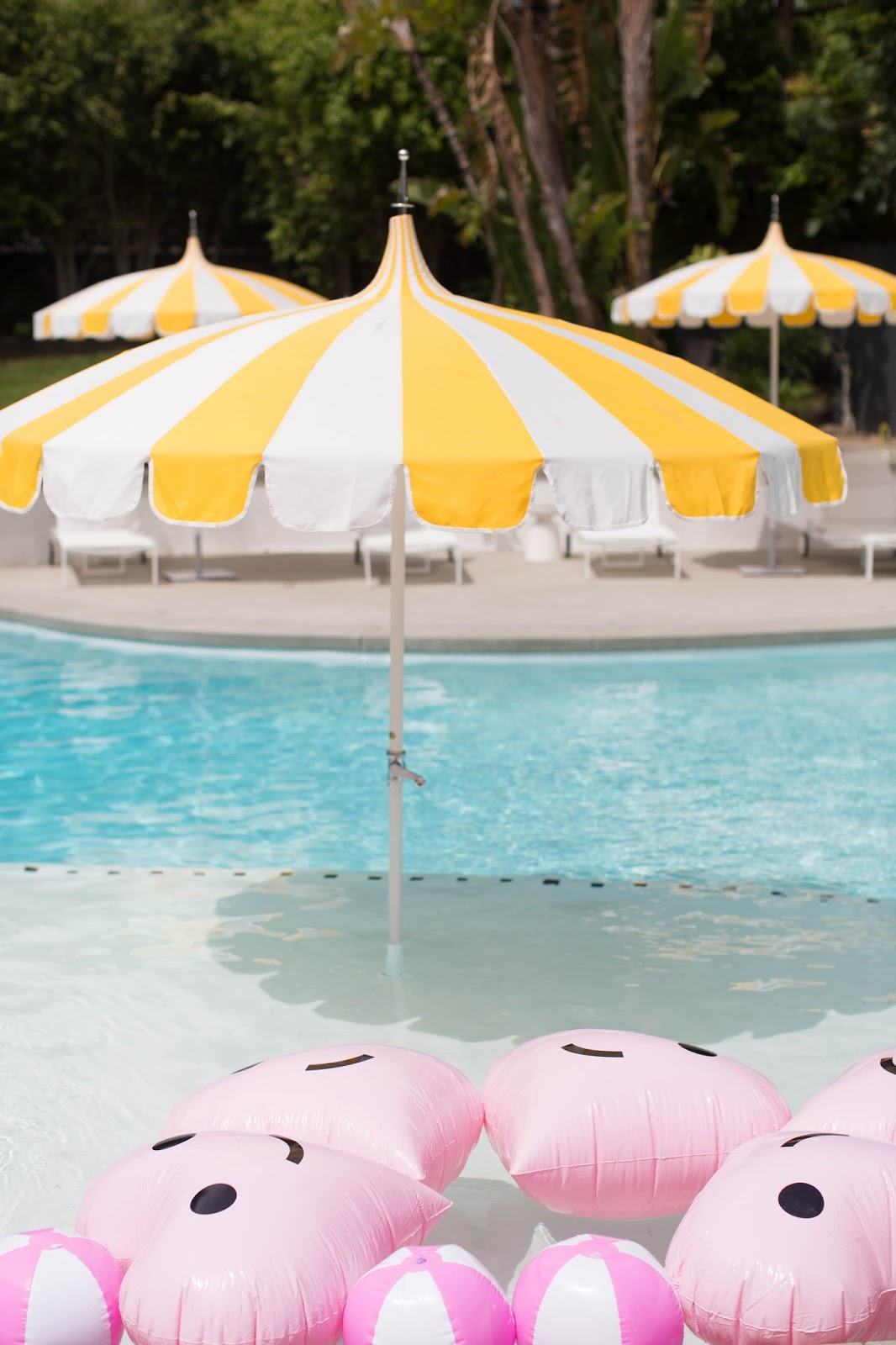 fun pool party ideas, bando floaties