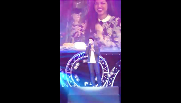 Alden sings at Dubai