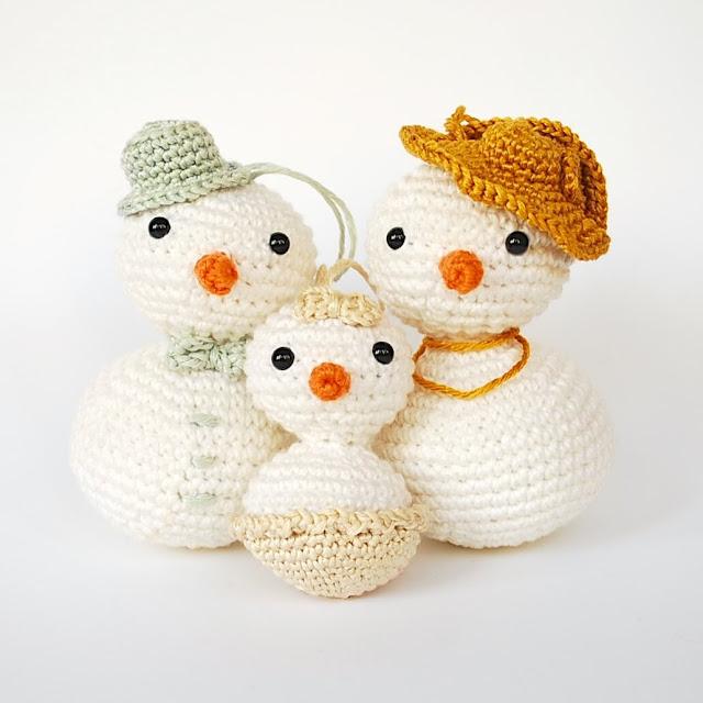 adorno-árbol-navidad-ganchillo-muñeco-de-nieve-amigurumi-patrón-gratis