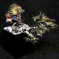 http://www.minisocles-blog.fr/2013/11/socle-de-shaman-orque-du-behemot.html