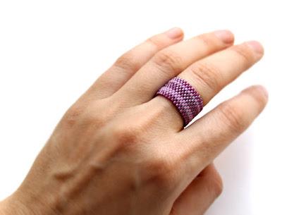 оригинальные женские кольца купить в интернет магазине изделий из бисера