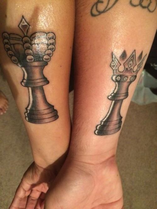 satranç simgeli kral - kraliçe dövmesi