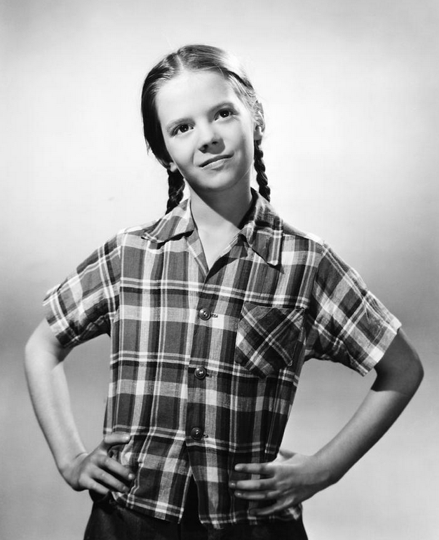 35 Rare And Adorable Photos Of Child Star Natalie Wood In