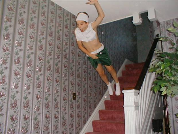 Cầu thang bay - hình ảnh hài hước