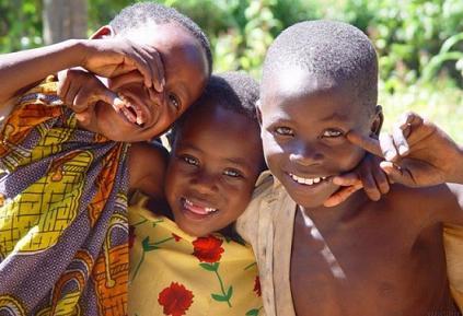 """""""Niños felices"""""""