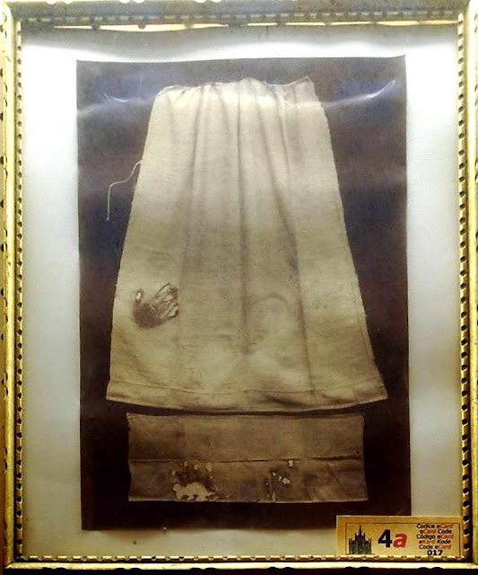 Avental de Sóror Margarida Maria Herendorps,  beneditina de Winnenberg, Alemanha.
